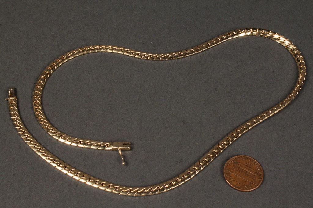 Lot 170: 14K Yellow gold Serpentine Necklace, 31.9 grams