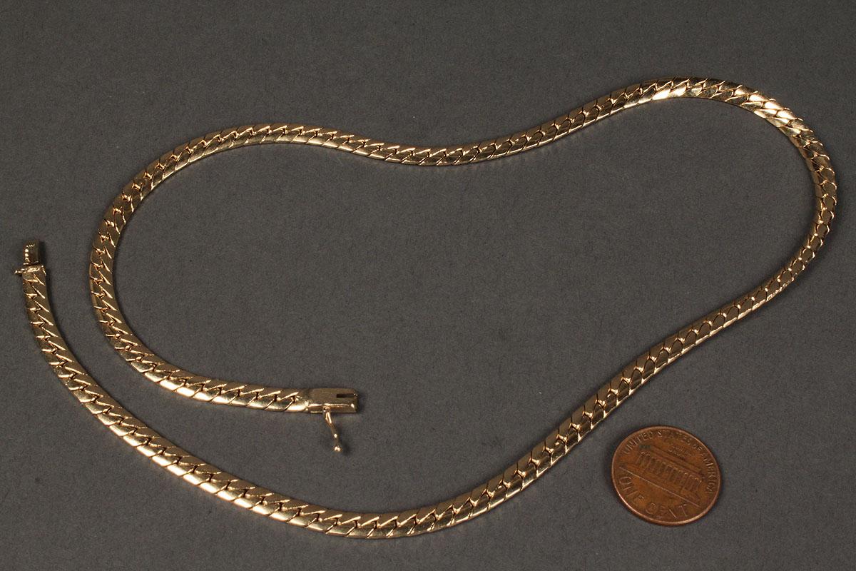 Lot 170: 14K Yellow gold Serpentine Necklace, 31.9 grams  Lot 170: 14K Ye...