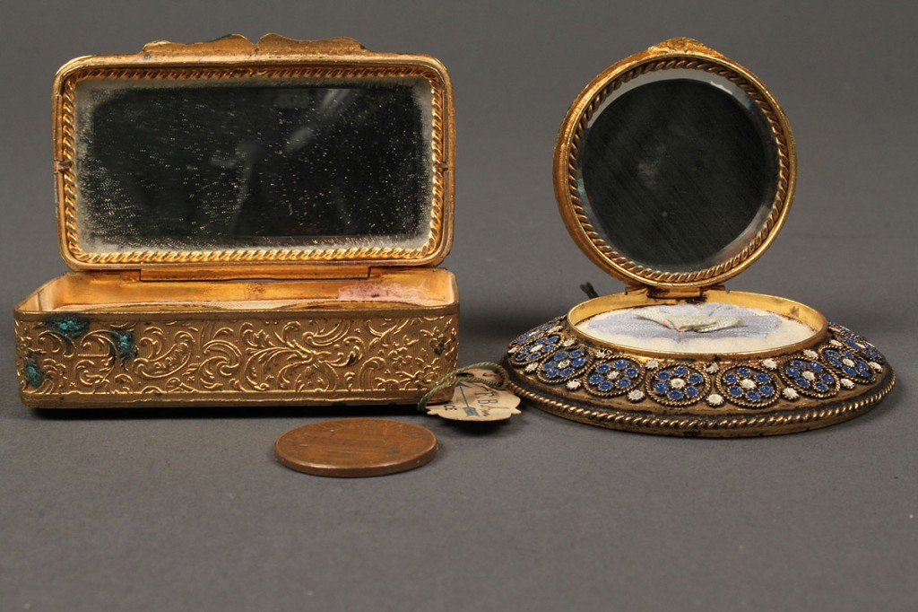 Lot 178: French enamel compact and patch box