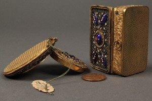 Lot 178: French enamel compact and patch box - Image 4