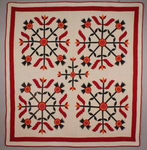 Lot 186: East TN Pieced & Applique Quilt