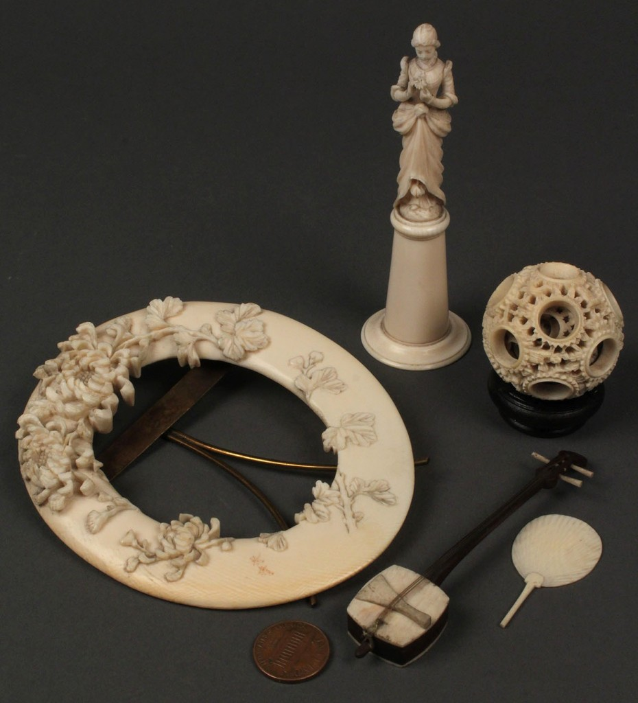 Lot 2: Lot of 5 Carved ivory items, incl. puzzle ball