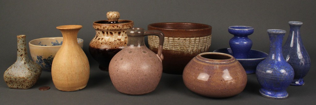 Lot 302: Lot of 10 Ferguson pottery items, Pigeon Forge pottery