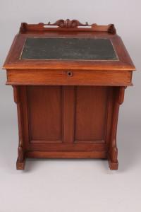 Lot 311: Davenport Desk, Knoxville, TN History
