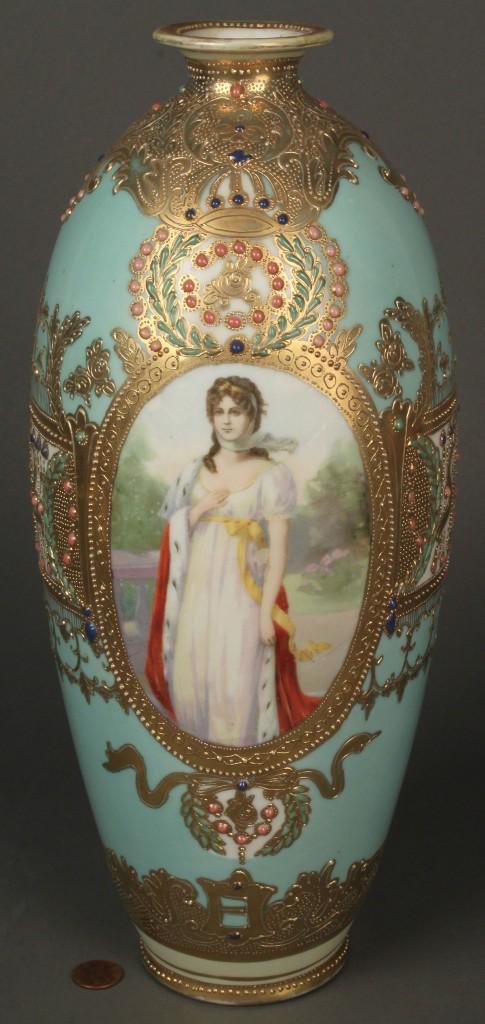 Lot 344: Nippon portrait vase, Queen Louise