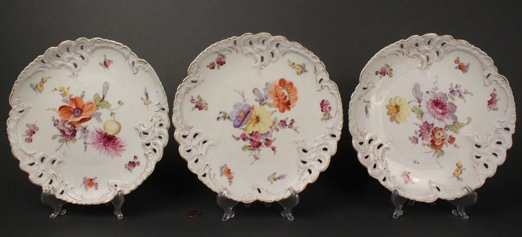 Lot 347: Dresden porcelain fruit or dessert service, 10 pcs.