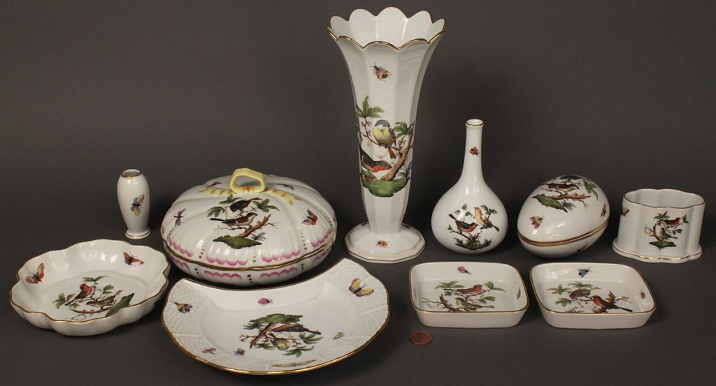 Lot 354: Lot of 10 Herend porcelain items