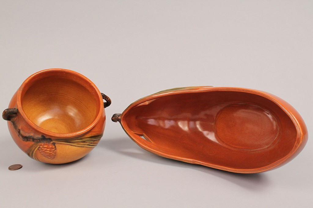 Lot 372: Lot of 2 Roseville Art Pottery Items, Pinecone
