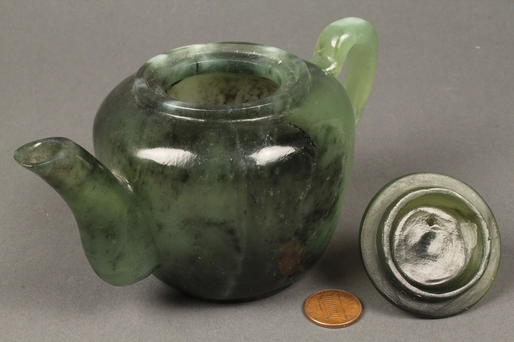 Lot 421: Chinese jade teapot