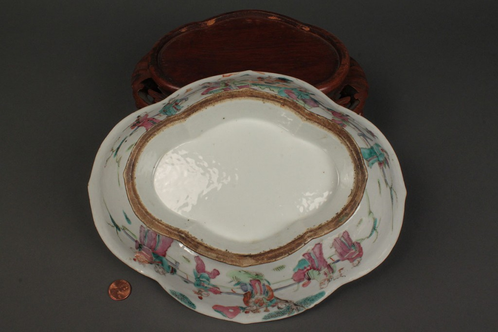 Lot 431: Chinese Export Porcelain Shaped Footed Bowl