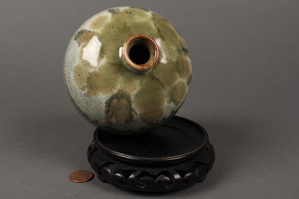 Lot 445: Chinese celadon glazed vase
