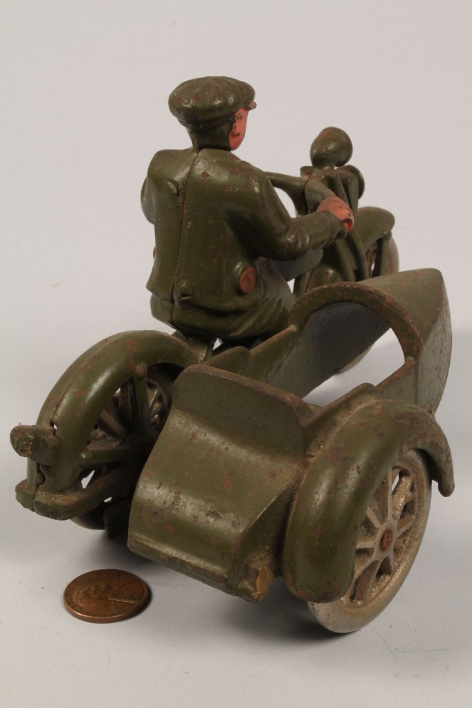 Lot 474: Harley Davidson Cast Iron Motorcycle w/ Sidecar