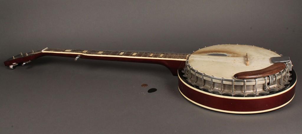 Lot 491: Vintage 5 String Banjo with Case
