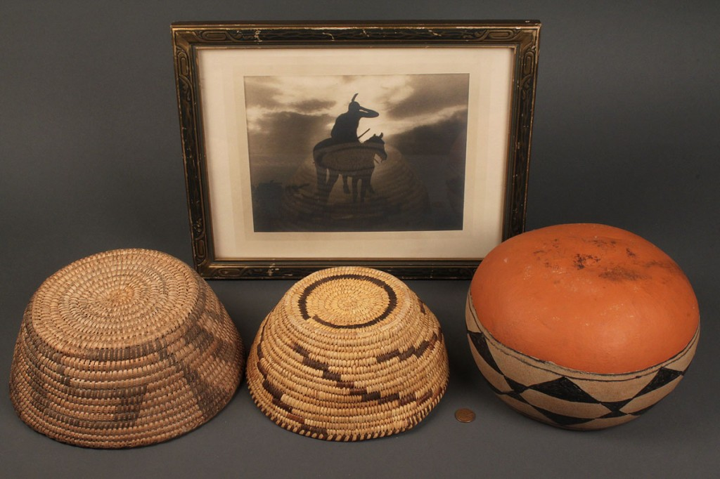 Lot 493: Lot of 4 Native American items