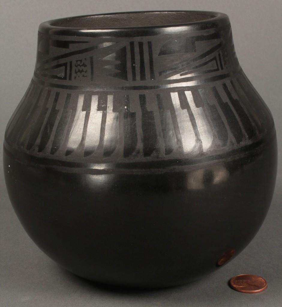 Lot 496: San Ildefonso Pueblo Pottery, Florence Naranjo