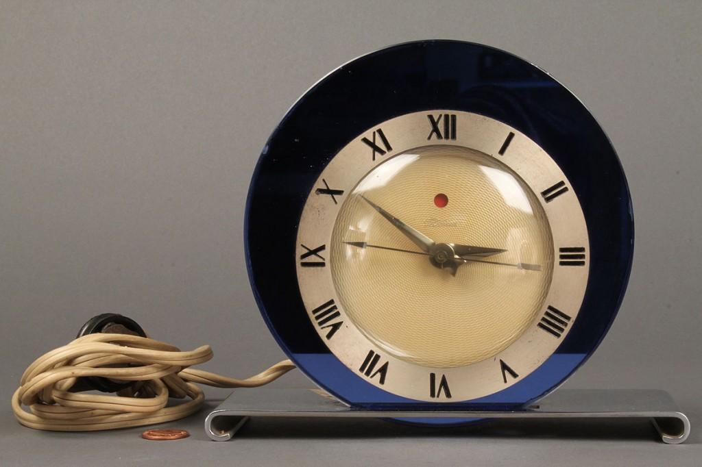 Lot 577: Warren Telechron Co. Art Deco Clock