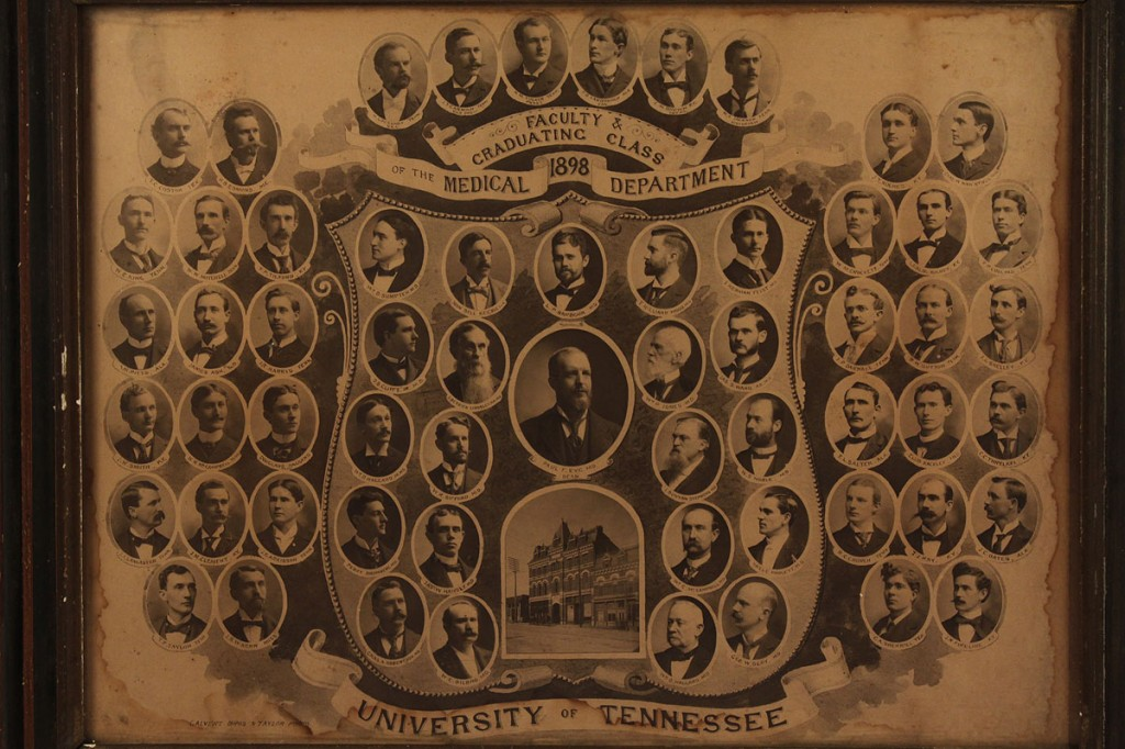 Lot 586: University of Tennessee Medical Dept. 1898 photo