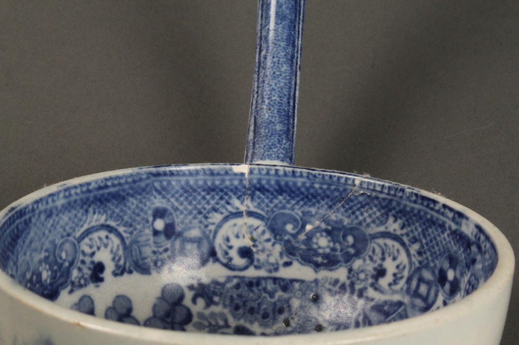 Lot 612: Lot of 5 Blue Willow Porcelain Items