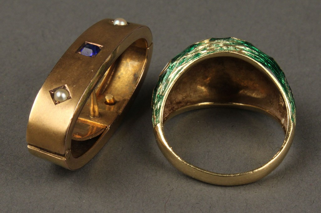 Lot 622: 18k Dome Ring and 9k Edwardian Scarf Pin