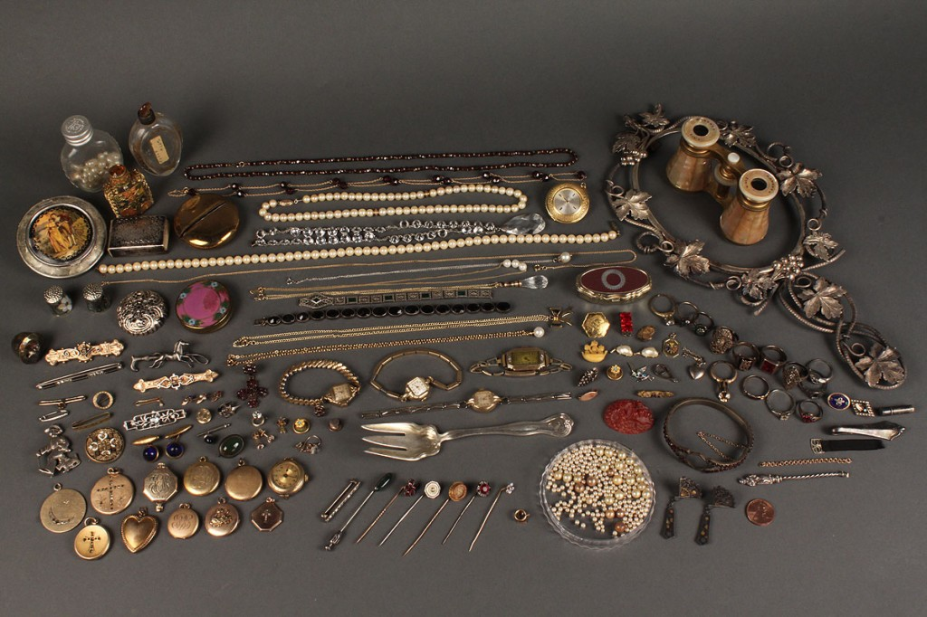 Lot 624: Miscellaneous Assortment from Jeweler's Inventory