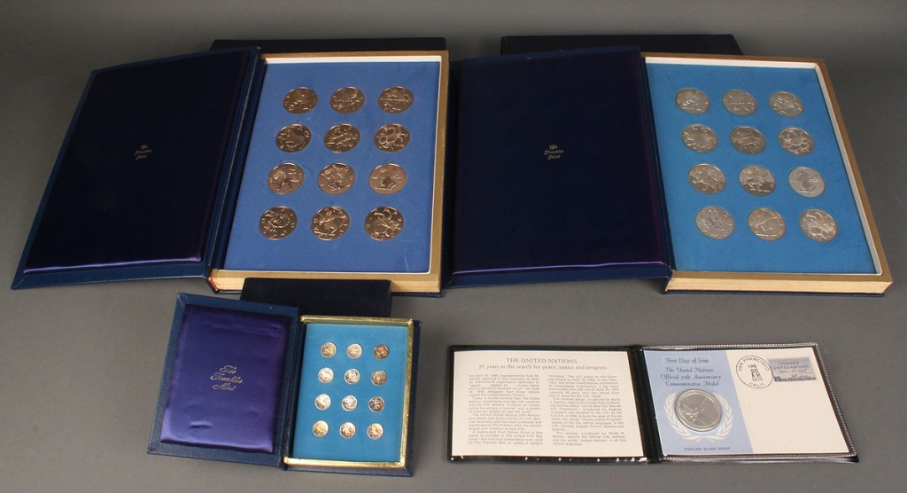 Lot 645: Grouping of Franklin Mint Medals & Coins