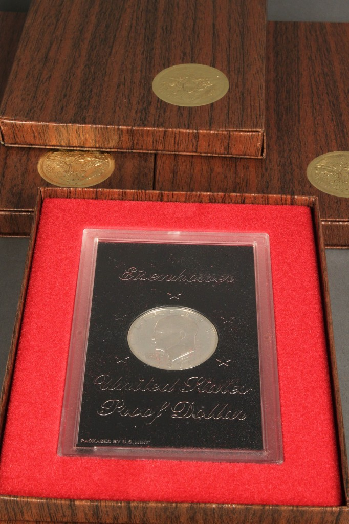 Lot 646: Grouping of U.S Mint Coins