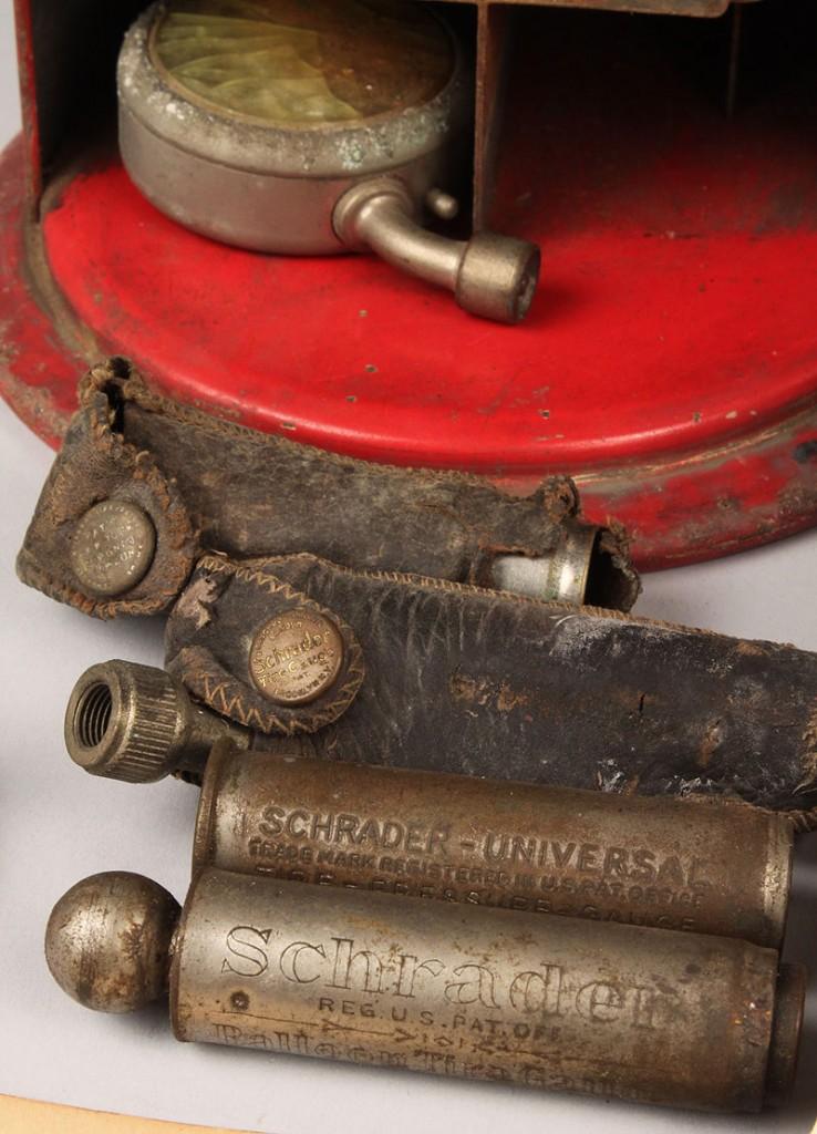 Lot 689: Schrader Tire Gauge Display