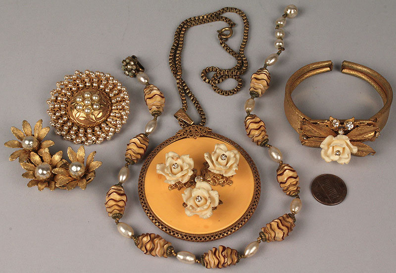 Lot 721: Lot of Five (5) Miriam Haskell Jewelry Items