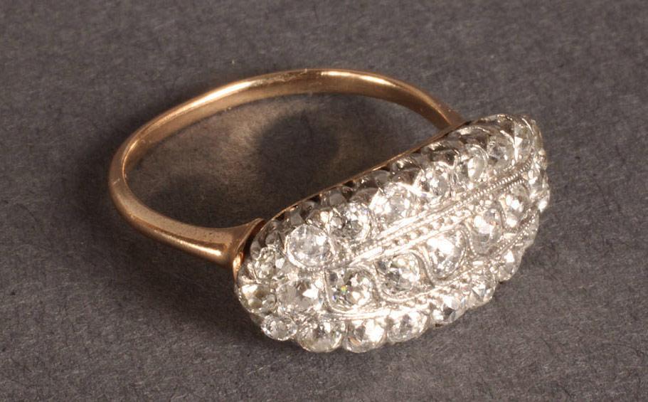 Lot 108: Ladies Edwardian Diamond Ring