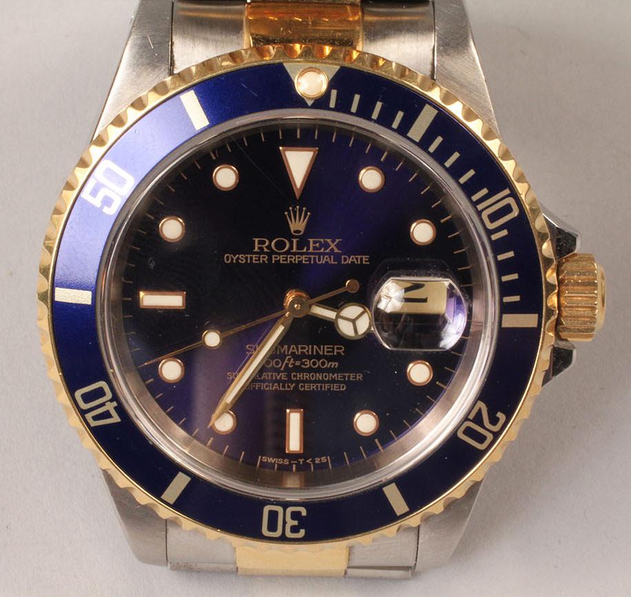 Lot 110: Men's Rolex Oyster Submariner Watch