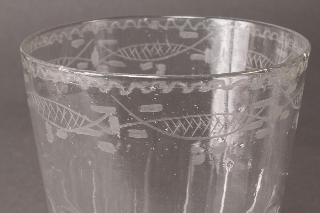 Lot 114: Steigel Type Flip Glass Tumbler