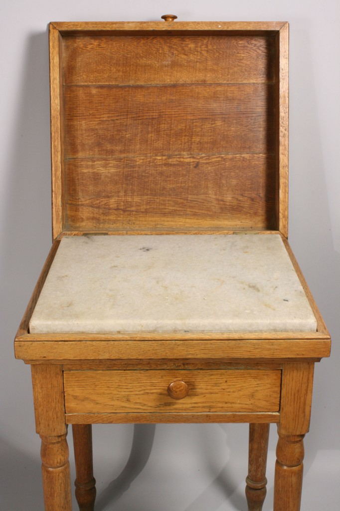 Lot 132 Tennessee Biscuit Table