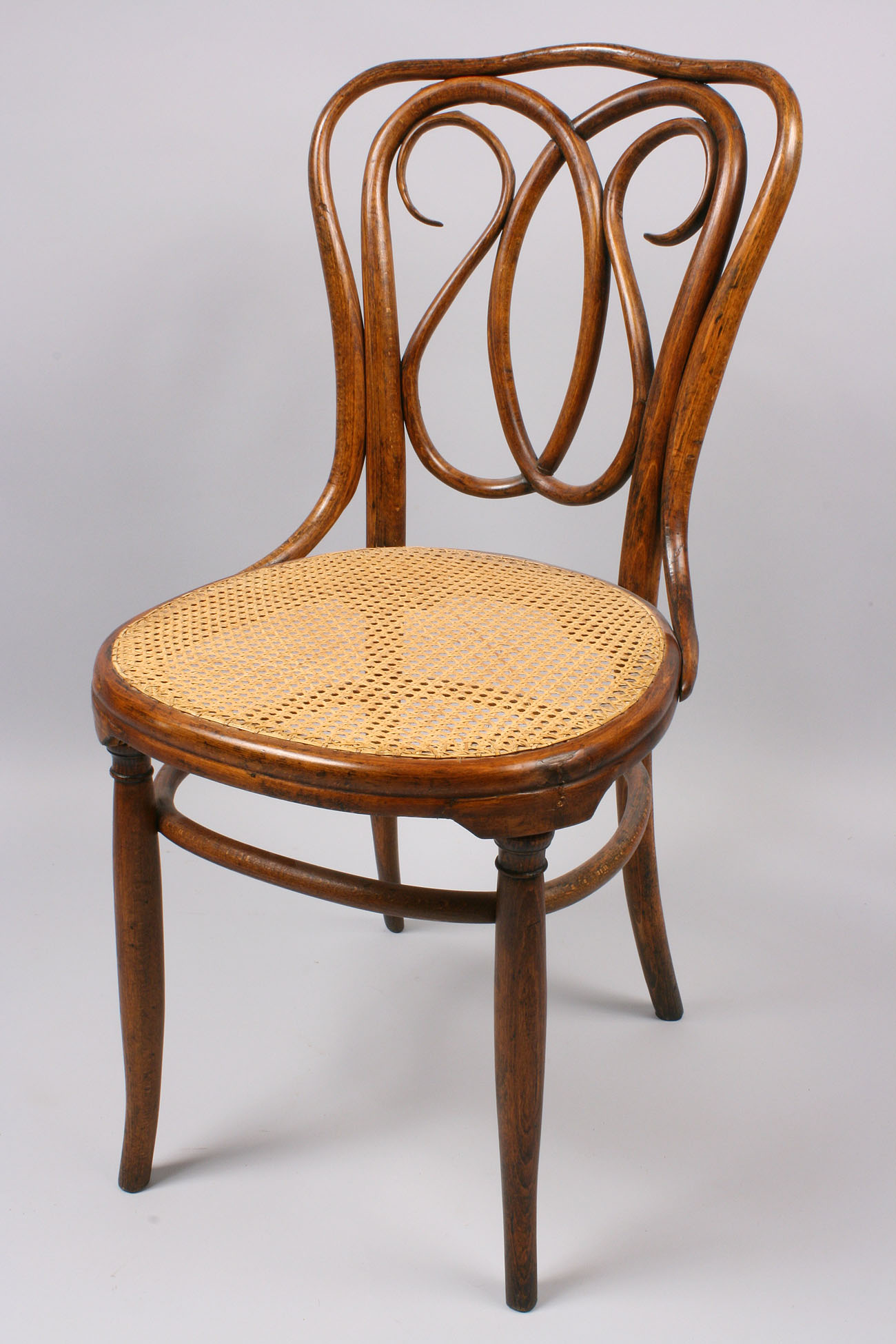 Brand-new Lot 146: J. & J. Kohn Bentwood chair BQ47