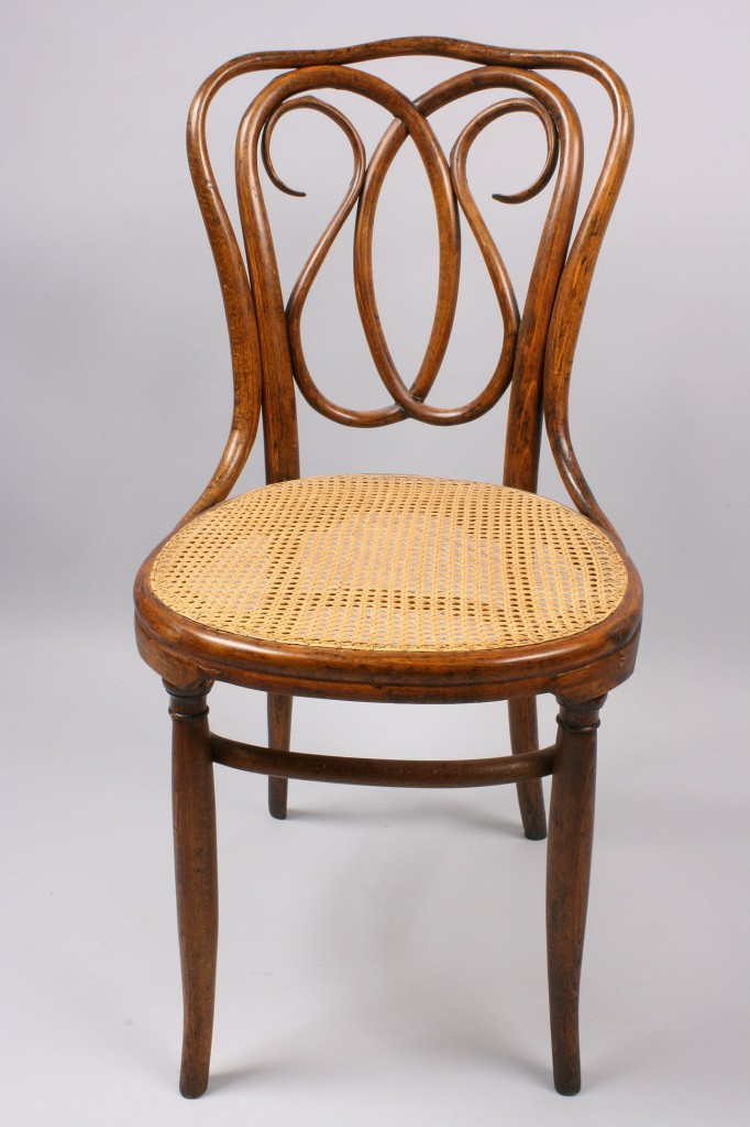 Lot 146: J. & J. Kohn Bentwood chair