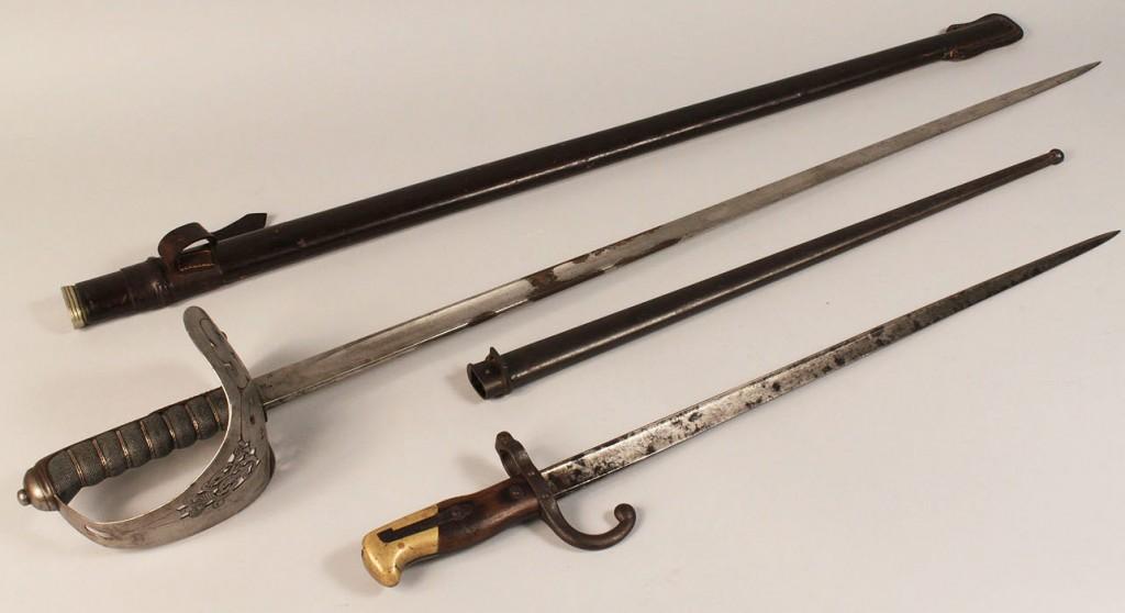 "Lot 19: 1898 British Infantry Sword & Model 1874 French ""G"
