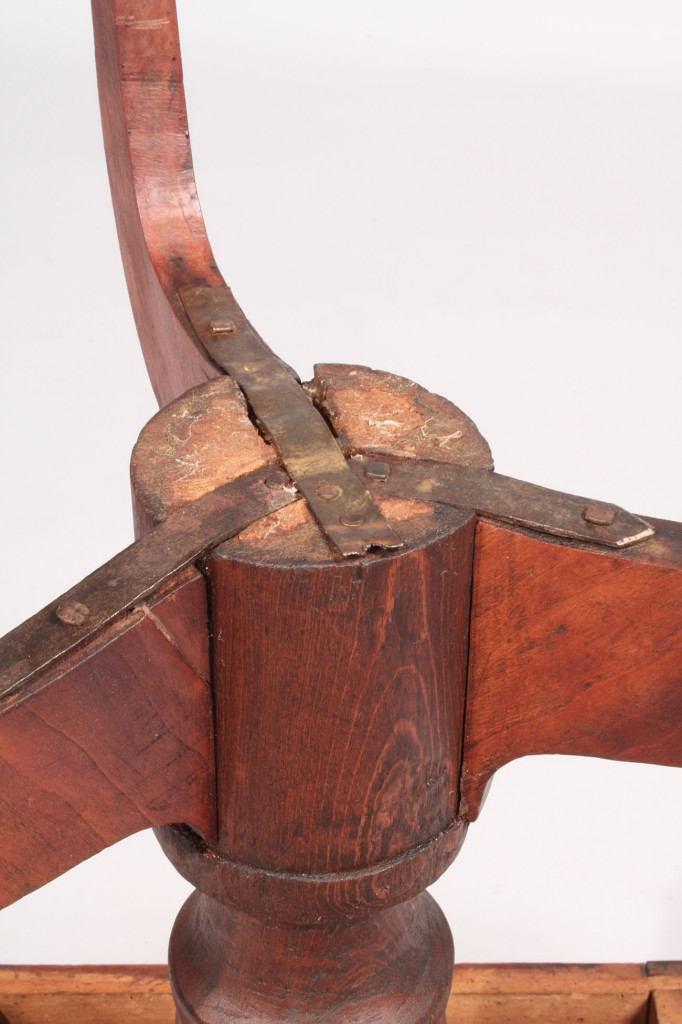 Lot 207: Tennessee Cherry Candlestand