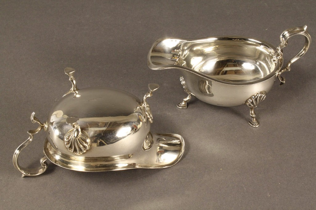 Lot 293: 4 English Sterling Silver Items