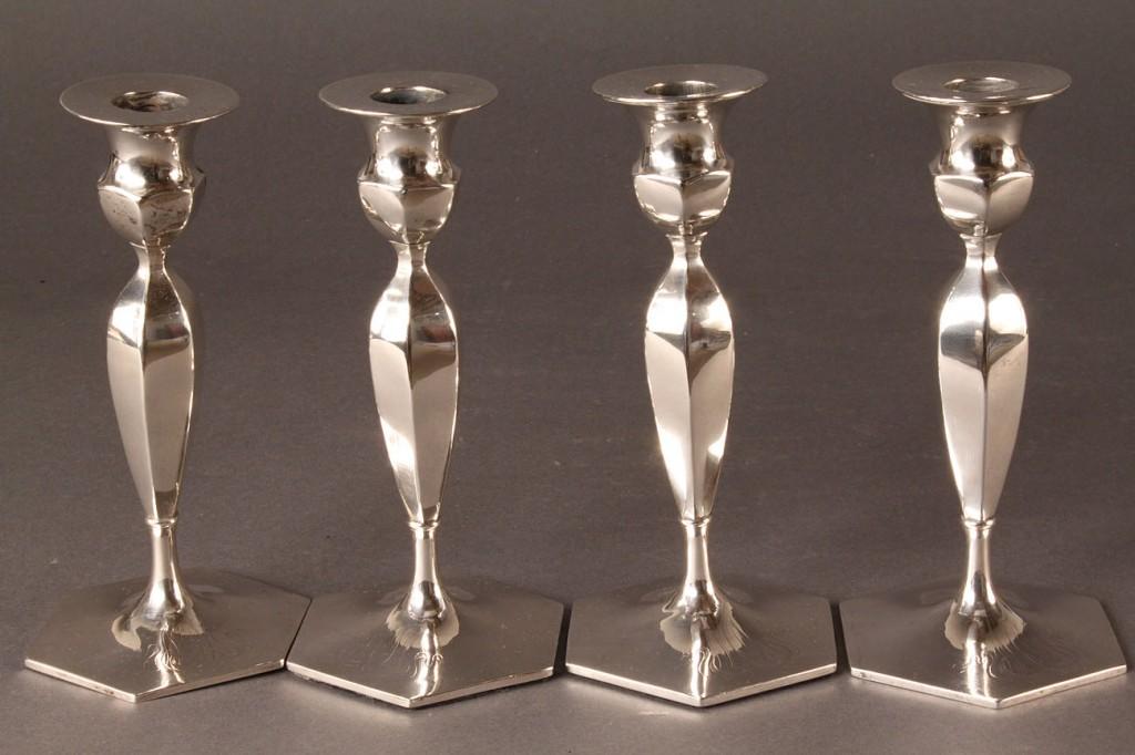 Lot 299: 4 Wallace Sterling Art Nouveau Candlesticks