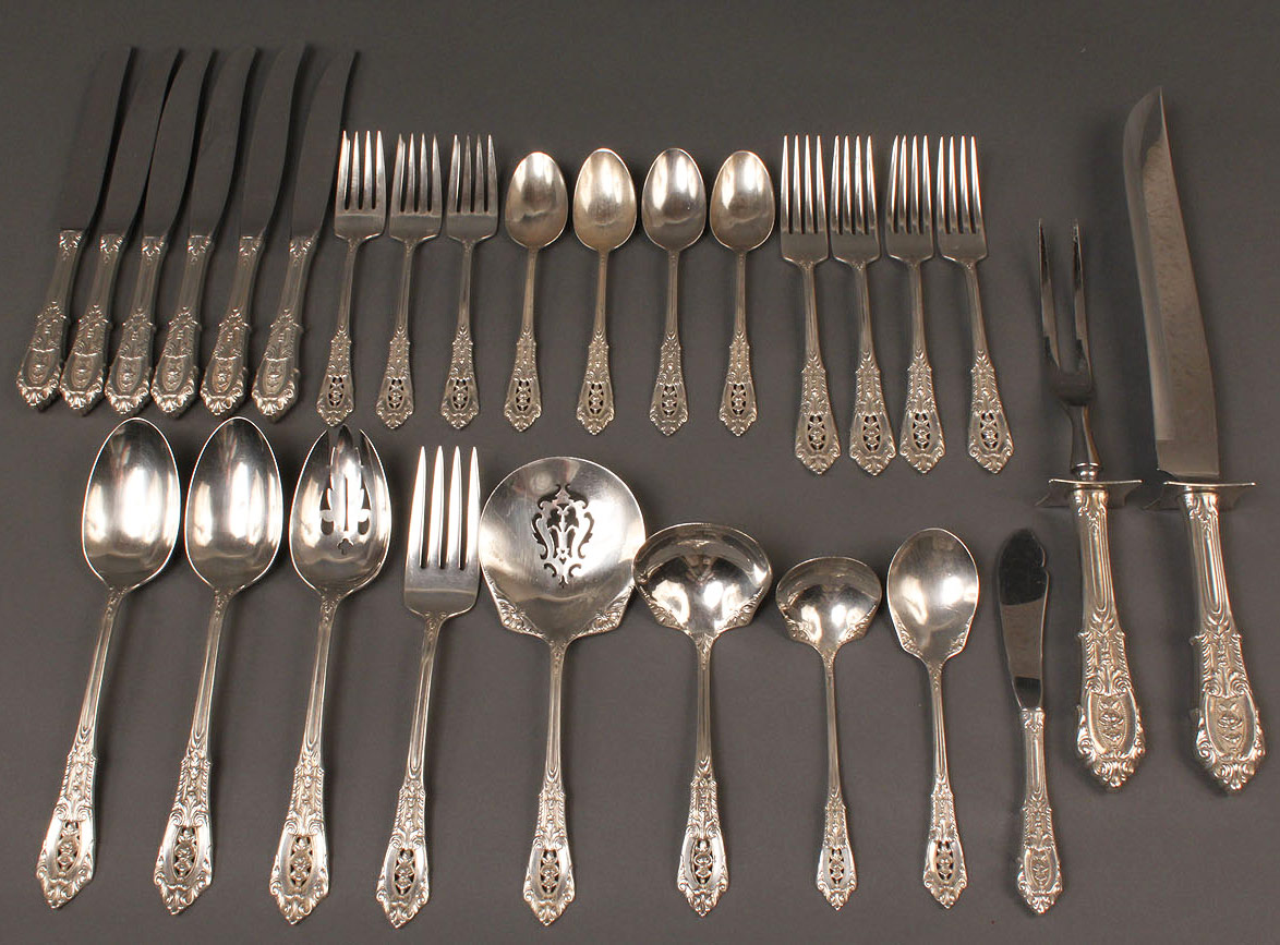 310: Wallace Rose Point Sterling Flatware, 28 pcs.