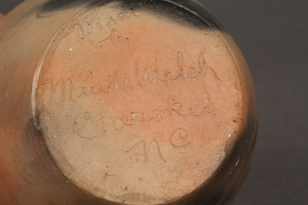 Lot 353: Cherokee Indian Pottery Jar, Maude Welch