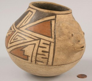 Lot 354: Southwest Indian Acoma effigy jar
