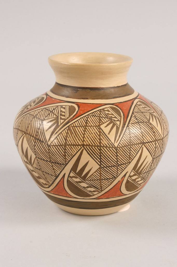 Lot 366: Three Southwest Indian pottery items