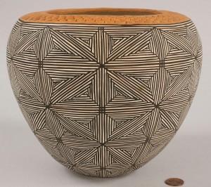 Lot 367: Acoma, NM star pattern bowl by Juana Leno