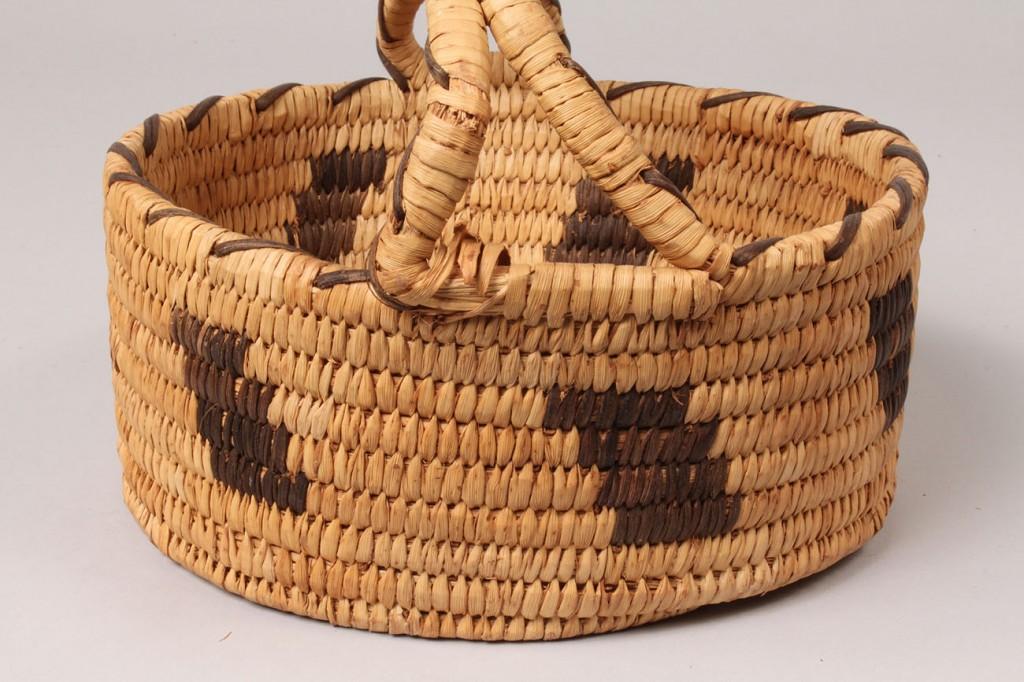Lot 371: Group of 3 Southwest Indian Baskets