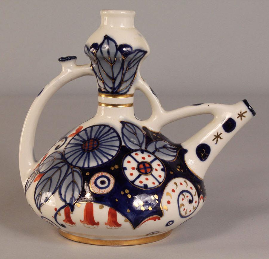 Lot 387: Amphora Ewer Vase with Imari Type Decoration