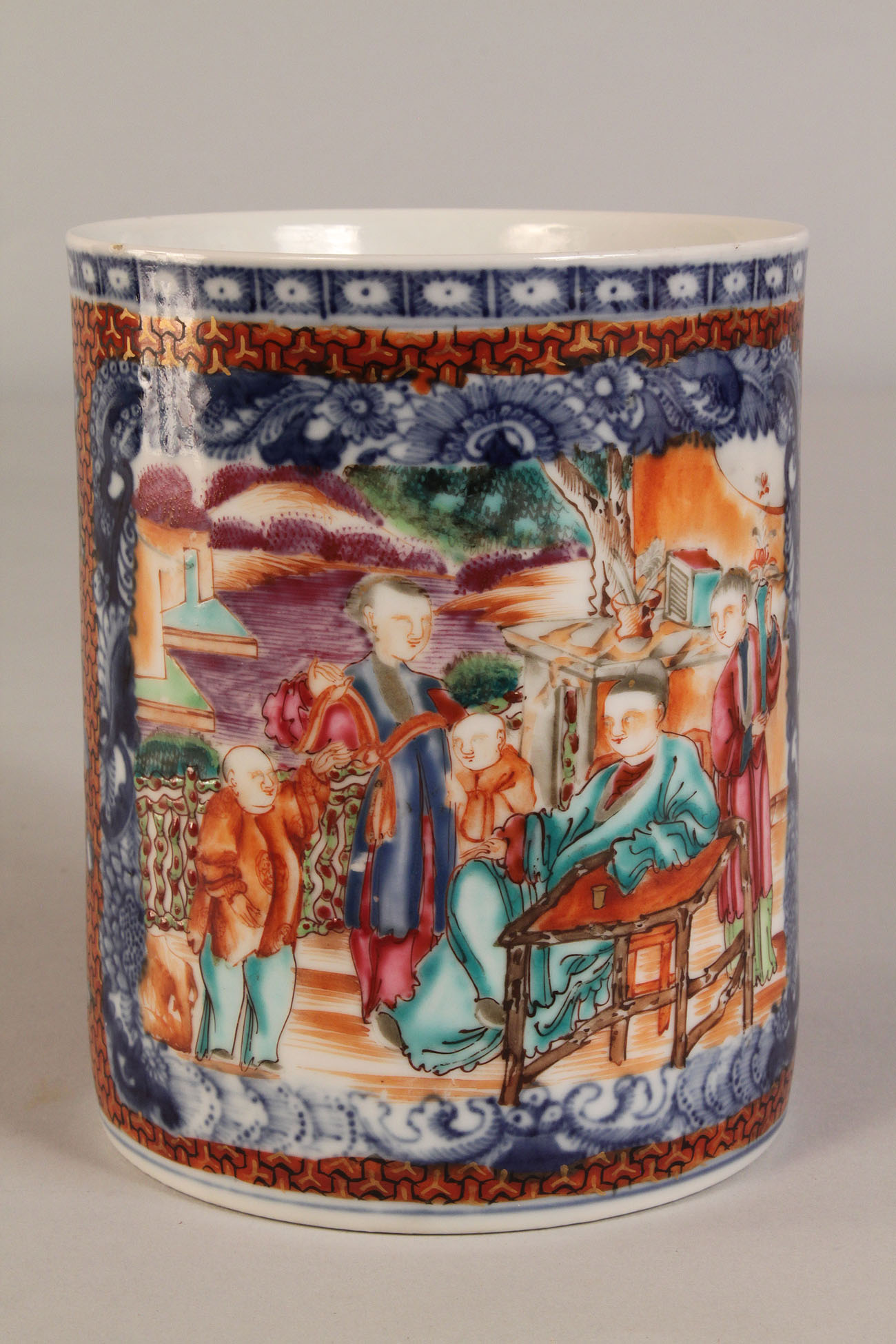 Lot 446: Chinese Export Mug or Tankard, Clobbered style