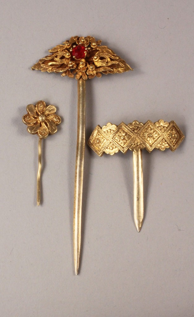 Lot 451: Lot of Chinese gilt silver jewelry