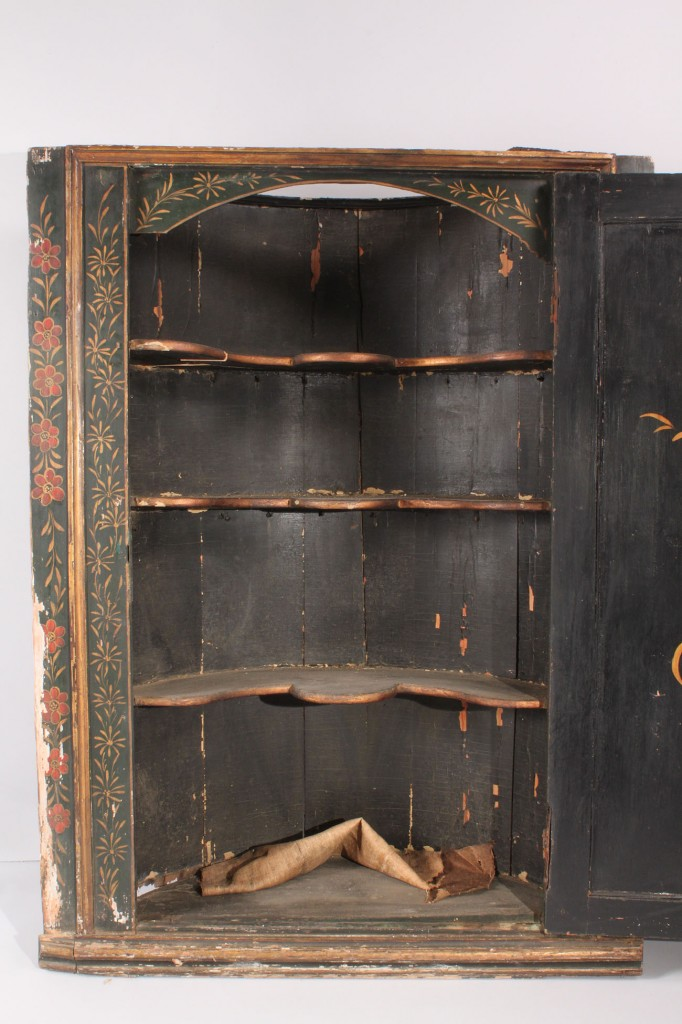 Lot 465: George III Hanging Corner Cupboard, Chinoiserie