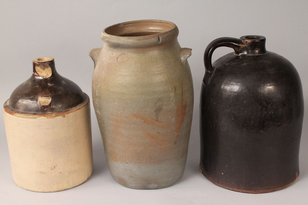 Lot 496: Assorted stoneware pottery, 3 pcs.