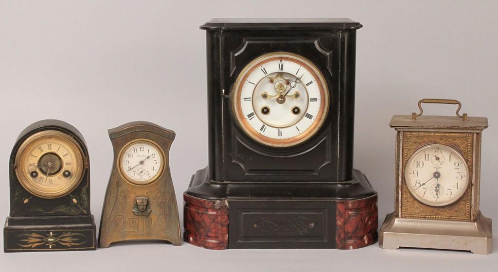 Lot 555: Lot of 4 Clocks